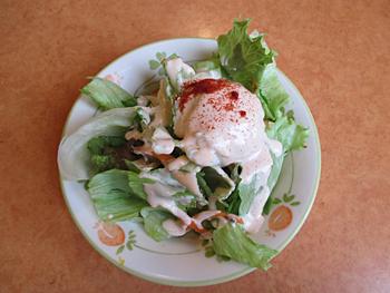 サラダは、ポテトとレタスが適量