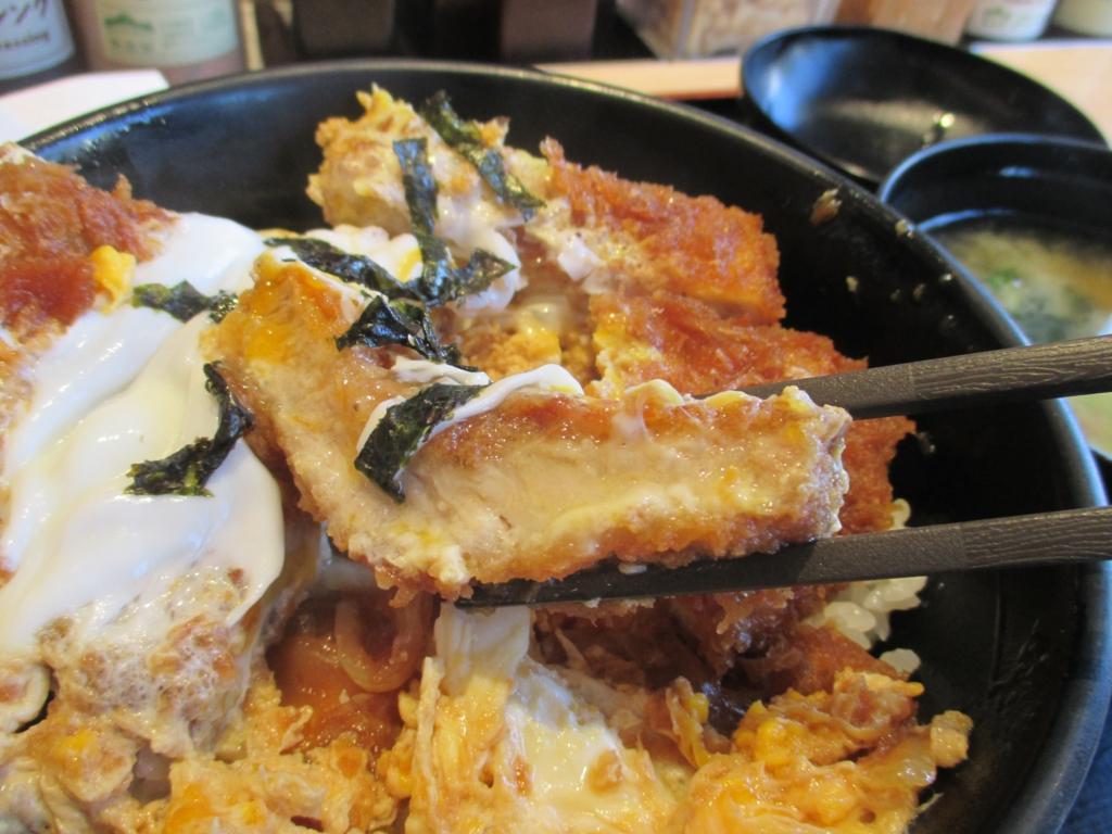 松乃家が武蔵新田にやって来た。最も人気のあるスタンダードメニューはワンコインでお釣りが来るという松乃家のカツ丼