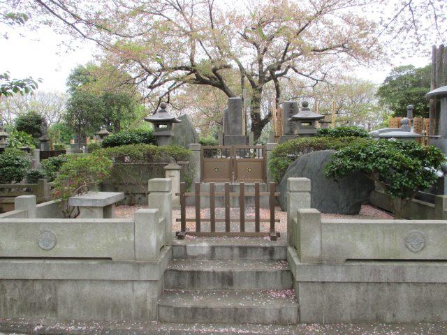 児玉誉士夫の墓