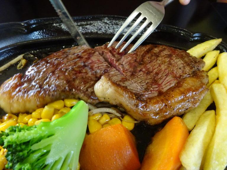ステーキハウス・バッファローの豪州産炭火焼ロースステーキ