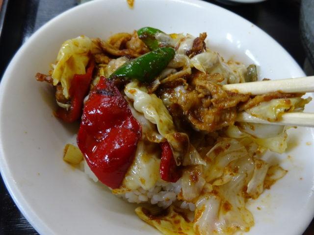 四川太宴飯店の半回鍋肉丼