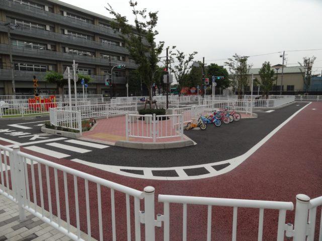森ヶ崎交通公園(大田区大森南)は大田区でもっとも新しい交通公園で公園内のコースで補助付きからの練習に最適な公園