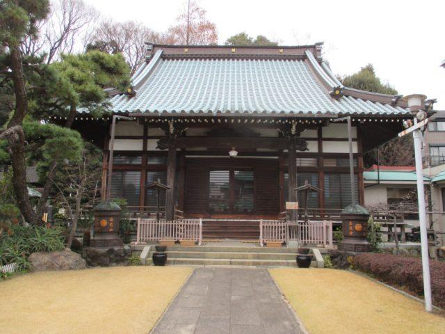 善慶寺(大田区山王)は日蓮入滅後正応5年(1292年)に建立され新井宿義民六人衆墓は延宝7年(1679年)に造立し史蹟に
