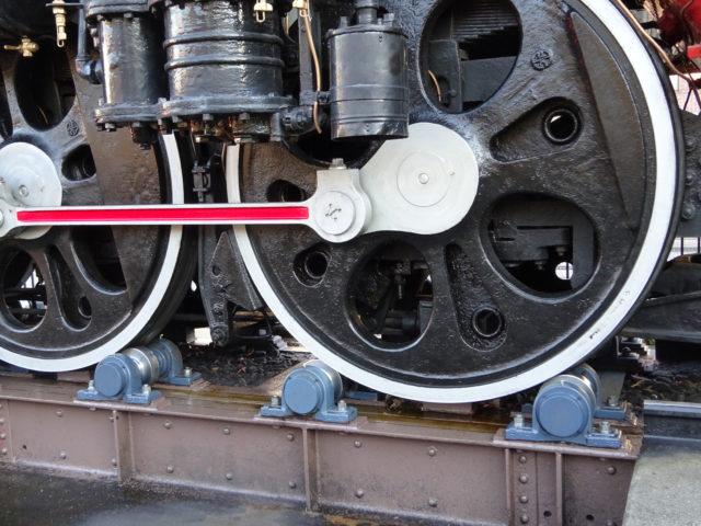 C-57-66蒸気機関車は、半動態状態で保存