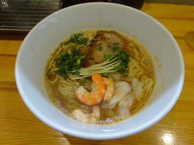 ラーメン大木戸の海老塩らーめんのスープ