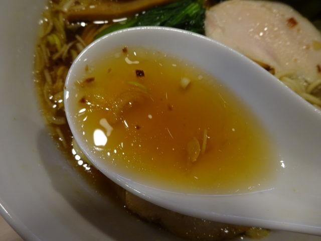 スープは動物系と魚介系のブレンド
