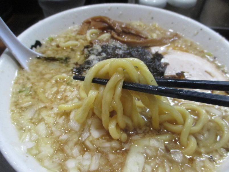 らーめん潤蒲田店(大田区蒲田)は一麺入魂をモットーにした煮干しスープと背脂たっぷり燕三条ラーメン本場の味を提供
