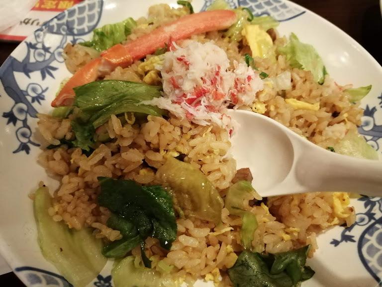 バーミヤン西六郷店(大田区西六郷)の海鮮夏中華(期間限定)メニューに、たっぷり蟹のレタスチャーハンなどを提供中