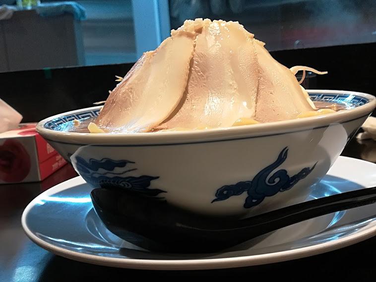 ラーメン二郎ばりの野菜の山高盛り
